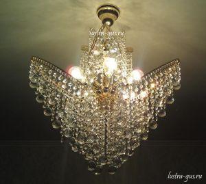 Хрустальная люстра Лилия № 2 шар (Гусь-Хрустальный) в интерьере квартиры
