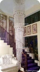Длинная хрустальная люстра Винтаж (завод Гусь-Хрустальный) в интерьере квартиры